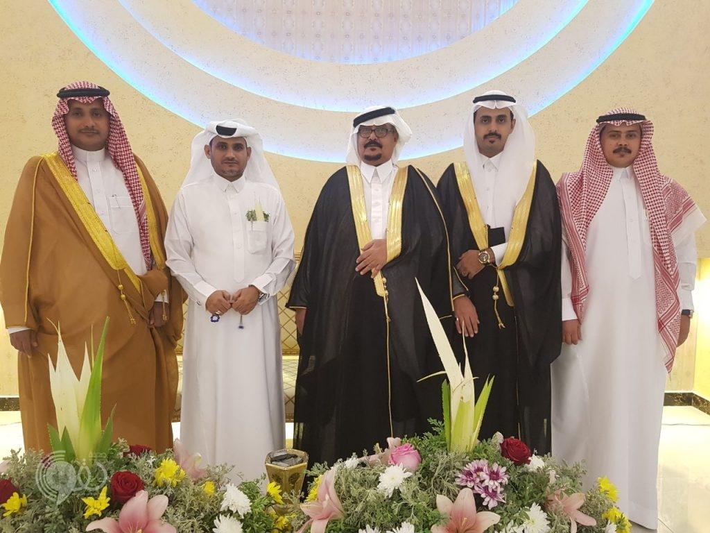 """""""مشعل القاصر"""" يحتفل بمناسبة زواجه في قصر الفخامة بمركز الحقو"""