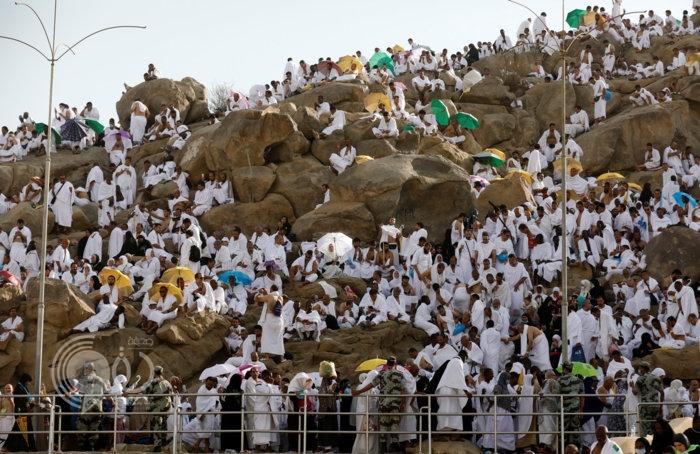 لماذا سمي جبل عرفات بهذا الاسم؟
