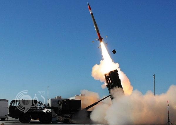 """عاجل.. """"الدفاعات السعودية"""" تعترض صاروخًا فوق جازان"""