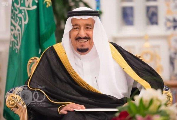 خادم الحرمين يوجه بتقديم إجازة العيد.. اليوم الإثنين نهاية الدوام الرسمي لجميع موظفي القطاع الحكومي