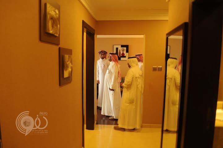 نزيل أحد فنادق جازان يٌبلغ السياحة عن مخالفة وإدارة الفندق تكافئه
