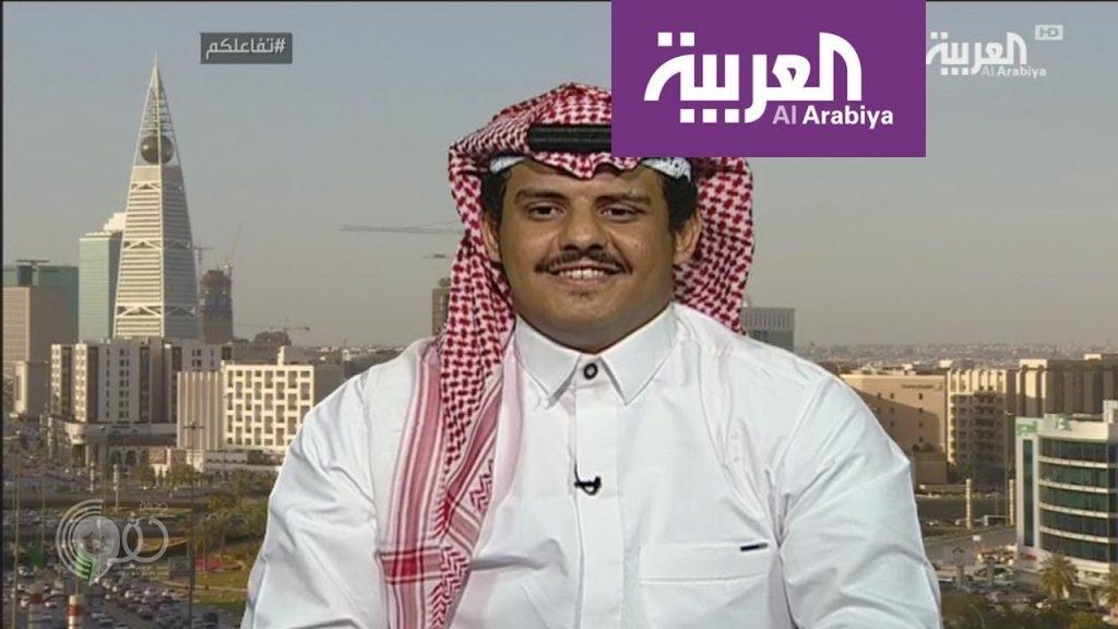 """شاهد .. سعودي يقلد لهجات العمالة """"الوافدة"""" في المملكة ويكشف السبب وراء ذلك !"""