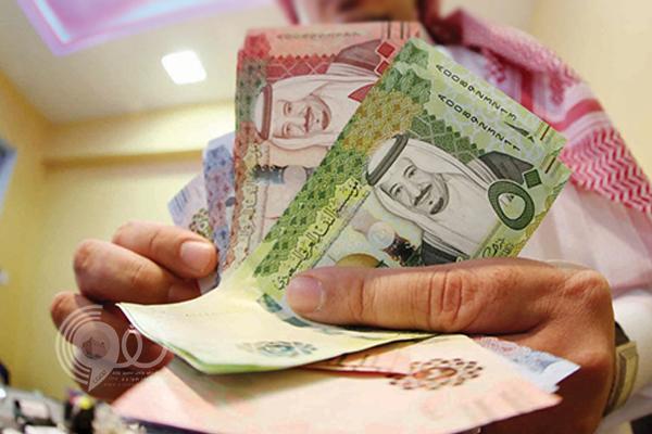 """""""البنوك السعودية"""" توجّه نصيحة مهمة بخصوص عد النقود"""