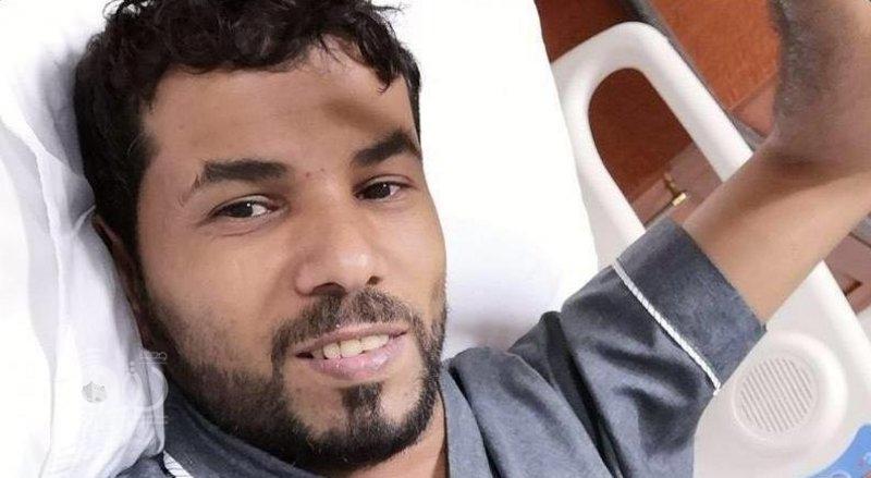 مواطن شاب بجازان يتبرع بإحدى كليتيه لإنهاء معاناة والدة صديقه