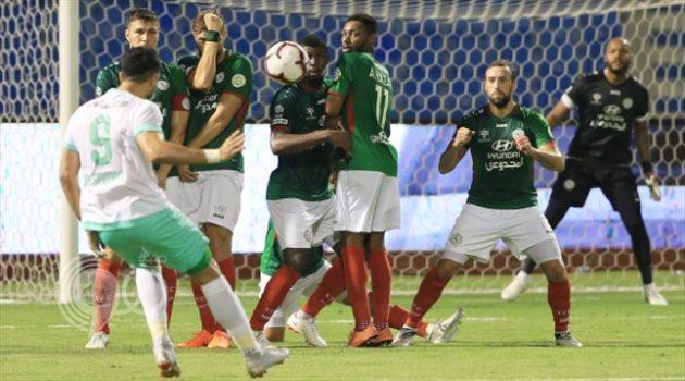 إعلامي رياضي يطالب برحيل عمر السومة عن الأهلي
