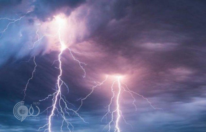 يوم ماطر في جازان.. الحالة تتواصل إلى مساء اليوم ويصحبها رياح نشطة مثيرة للأتربة