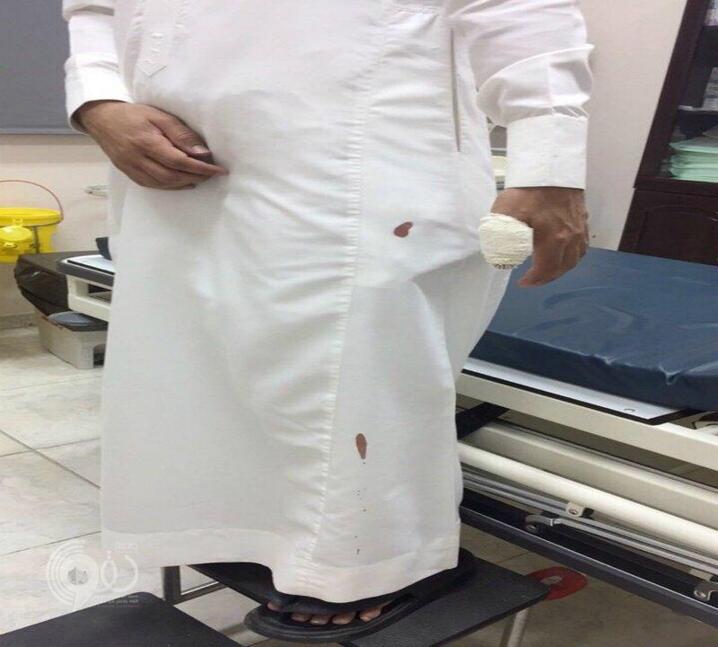 طالب وشقيقه يعتديان على معلم بالضرب داخل الفصل بإحدى مدارس  المملكة