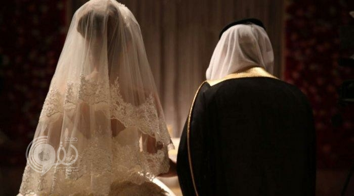 فتاة تروي تفاصيل صادمة بعد زواجها من ثري عربي يكبرها بـ 30 عامًا.. والمفاجأة كانت بعد وصولها المطار