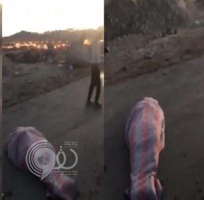 العثور على جثة وسط طريق سريع في ظروف غامضة بأبها