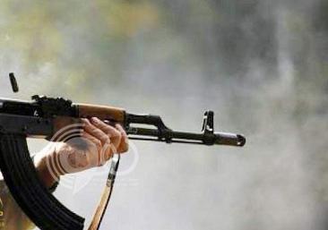 """مواطن يحتجز أفراد أسرته ويطلق النار من سلاح """"رشاش"""" على شقيقه ورجل أمن بالطائف"""