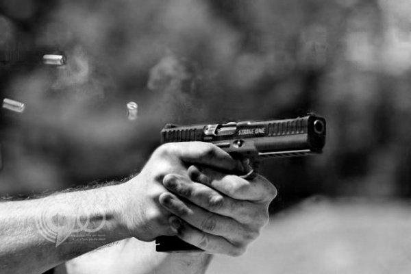 طلقة نارية تخترق رأس شاب وتخرج من عينه في حي عودة بالطائف