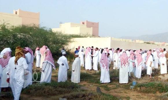 مصرع معلمة وإصـابة زوجها وأطفالها في حـادث مروع بجازان