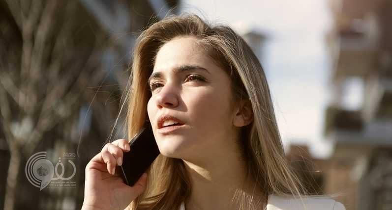 """الهواتف الجوّالة """"تسبب السرطان"""".. وخبراء يقدمون الحل"""