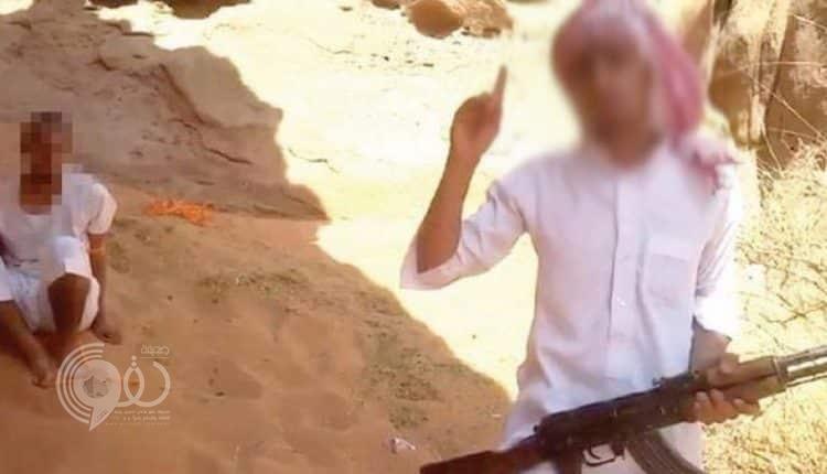 """بماذا علق ابن عم الداعشي """"سعد العنزي"""" عقب ساعات من تنفيذ الحكم بحد الحرابة فيه!"""