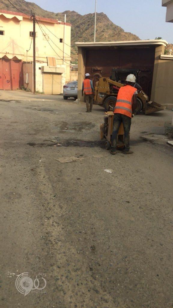 """أمين أمانة منطقة جازان ل """"صحيفة الحقو"""" : تم التأكيد على بلدية الحقو بمعالجة الحفريات بشكل عاجل"""