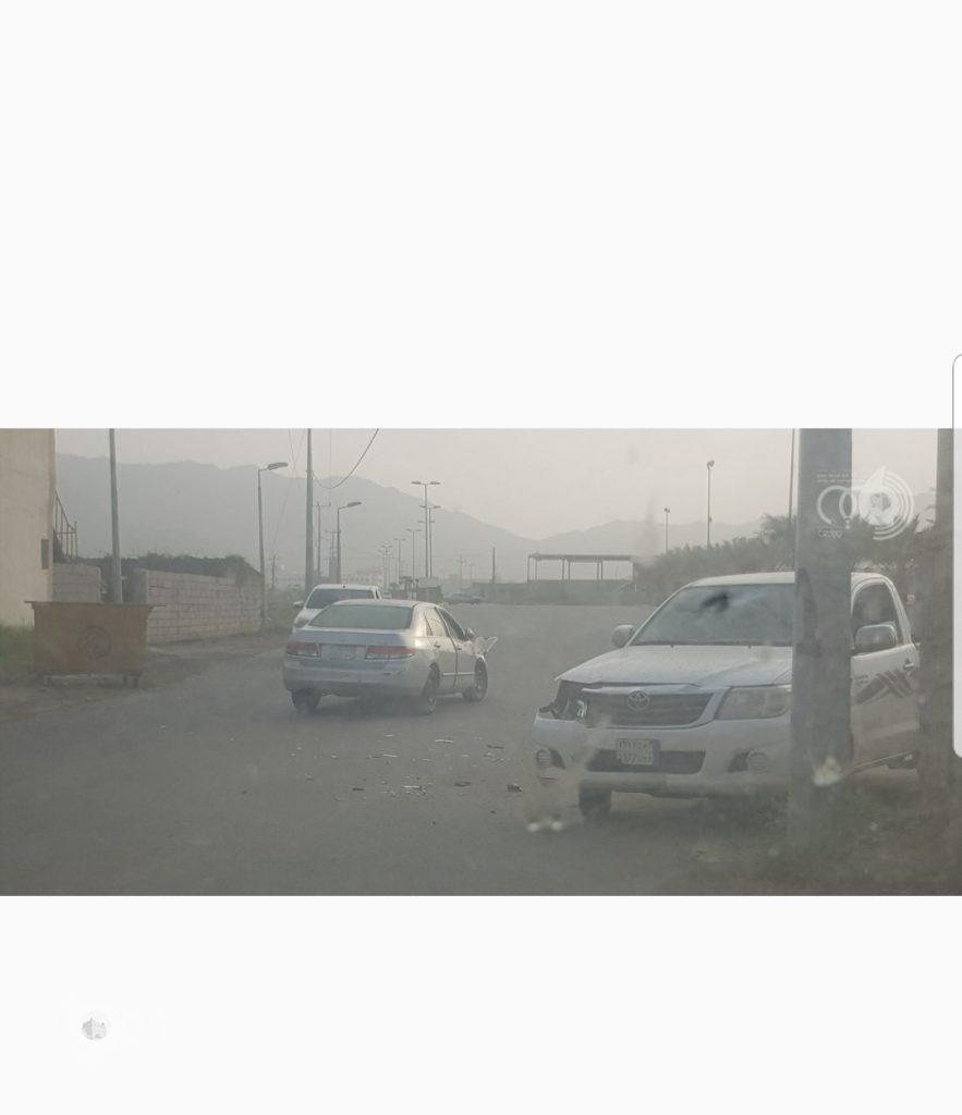 مركز الحقو : تحويلة مدخل السوق الشعبي تتسبب في حادث مروري صباح اليوم