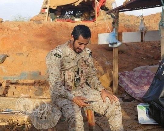 بذراع واحدة.. «سعودي» هزم الحوثيين في 24 معركة يروي الوقائع لأول مرة.. وهذا موقف بطولي لا ينساه
