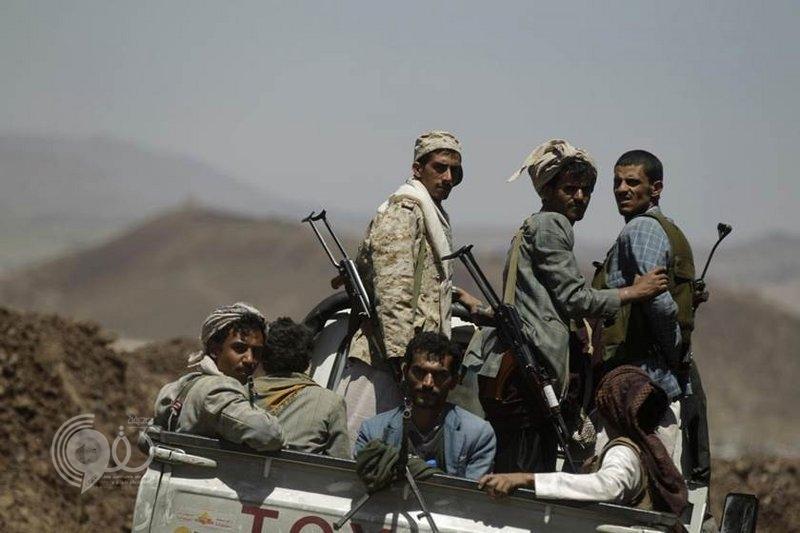 الحوثي يستهدف حشود المصلين في ساحة الحرية وسط تعز