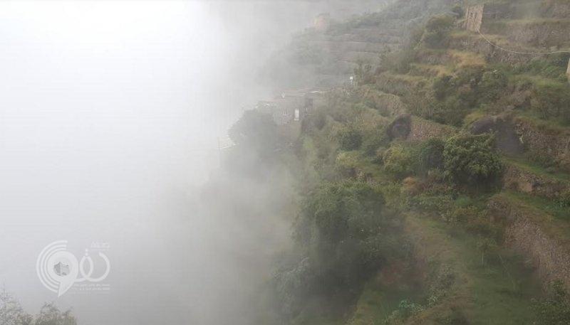 أمطار غزيرة على المحافظات الجبلية بمنطقة جازان