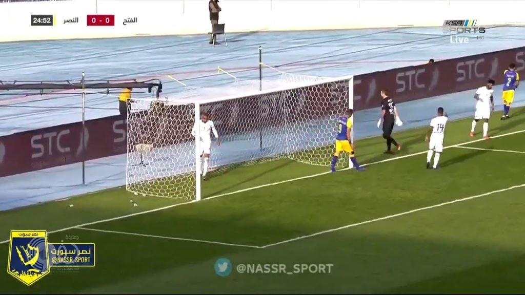"""تعادل """"النصر والفتح"""" بدون أهدف .. شاهد أبرز الفرص الضائعة بين الفريقين"""