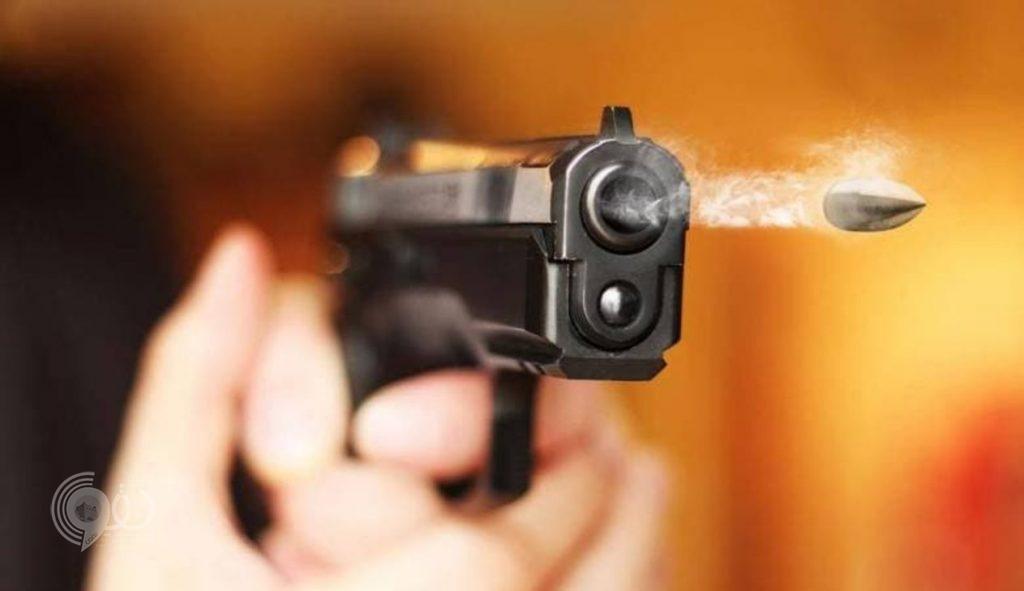 شرطة جازان تلقي القبض علي شاب قتل شقيقه وقريبه بصامطة في جريمة بشعة