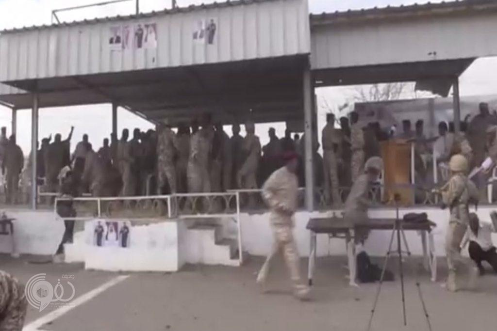 بالفيديو.. شاهد لحظة تفجير الطائرة الحوثية فوق قاعدة العند