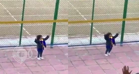 بالفيديو.. النصرايون يتفاعلون مع طفلة في مباراة الفريق أمام الجندل