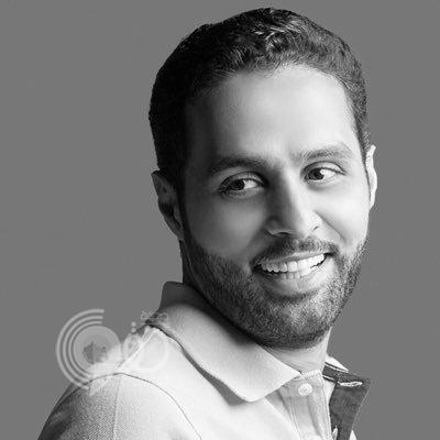 """بالفيديو.. ياسر القحطاني ممازحاً """"الشهراني"""": هو """"عبيط"""" ويعرف لماذا"""