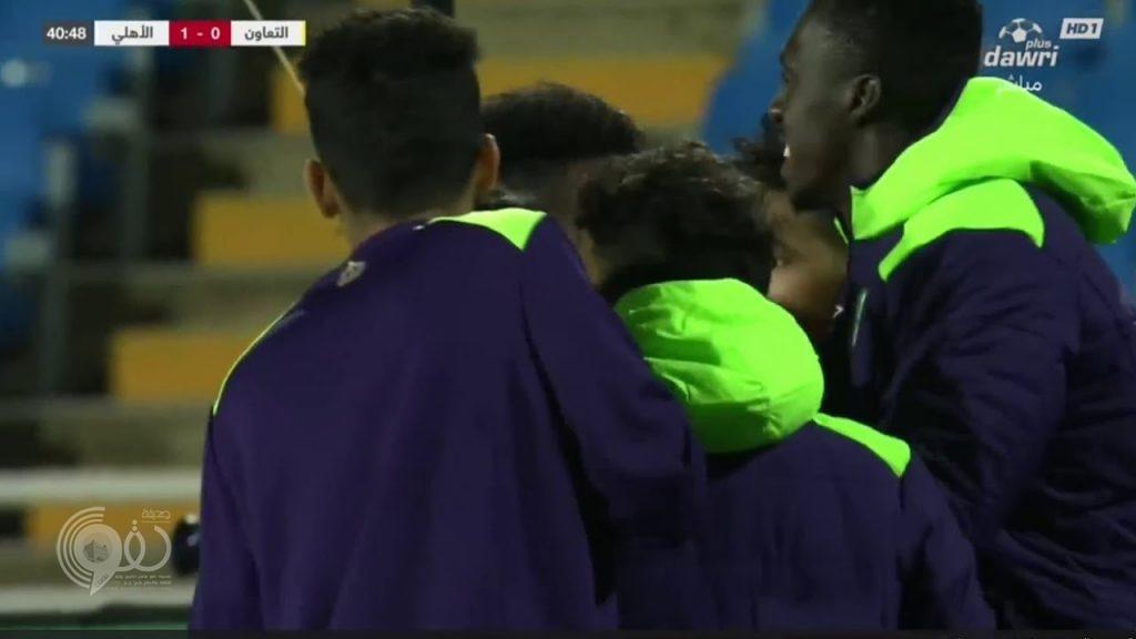 بالفيديو : الأهلي ينجو بصعوبة من فخ التعادل أمام التعاون ويتغلب عليه بأربعة أهداف