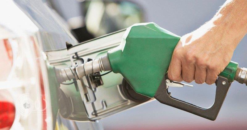 """الطاقة: نراجع أسعار """"البنزين"""" كل 3 أشهر.. وهذا سبب الإبقاء على سعر """"بنزين 91"""""""