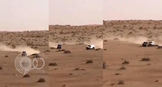 بالفيديو.. تصادم غريب بين سائقين في رالي حائل يثير السخرية على تويتر
