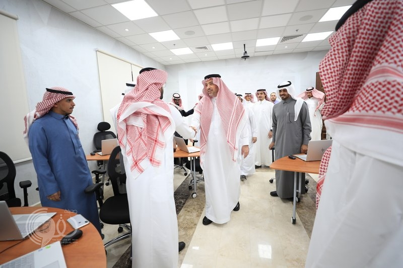 مدير الجامعة الإسلامية يدشن برنامج تدريب 28 قيادياً ومبنى كلية الشريعة
