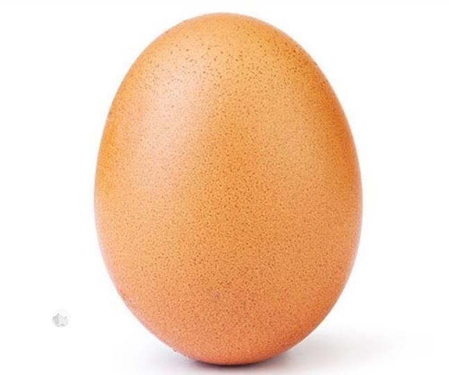 """ما قصة البيضة الحمراء التي حققت أكثر من 29 مليون إعجاب على """"إنستغرام"""""""