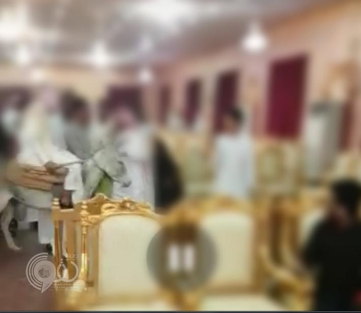 """دخلوا قصر الأفراح بحمار و""""دباب"""".. ممازحة ثقيلة تؤدي لمحاكمة شبان بجازان"""