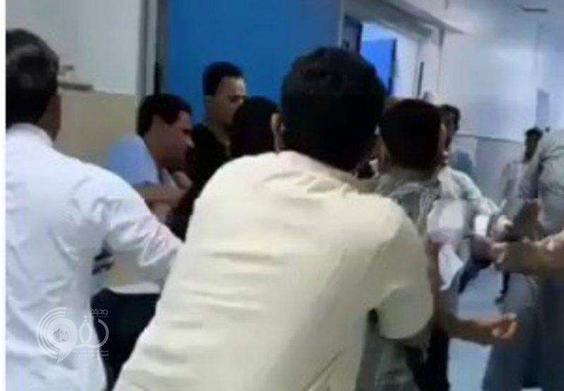 """حارس مستشفى """"بيش"""" يروي تفاصيل التجمهر والاعتداء عليه بالضرب"""