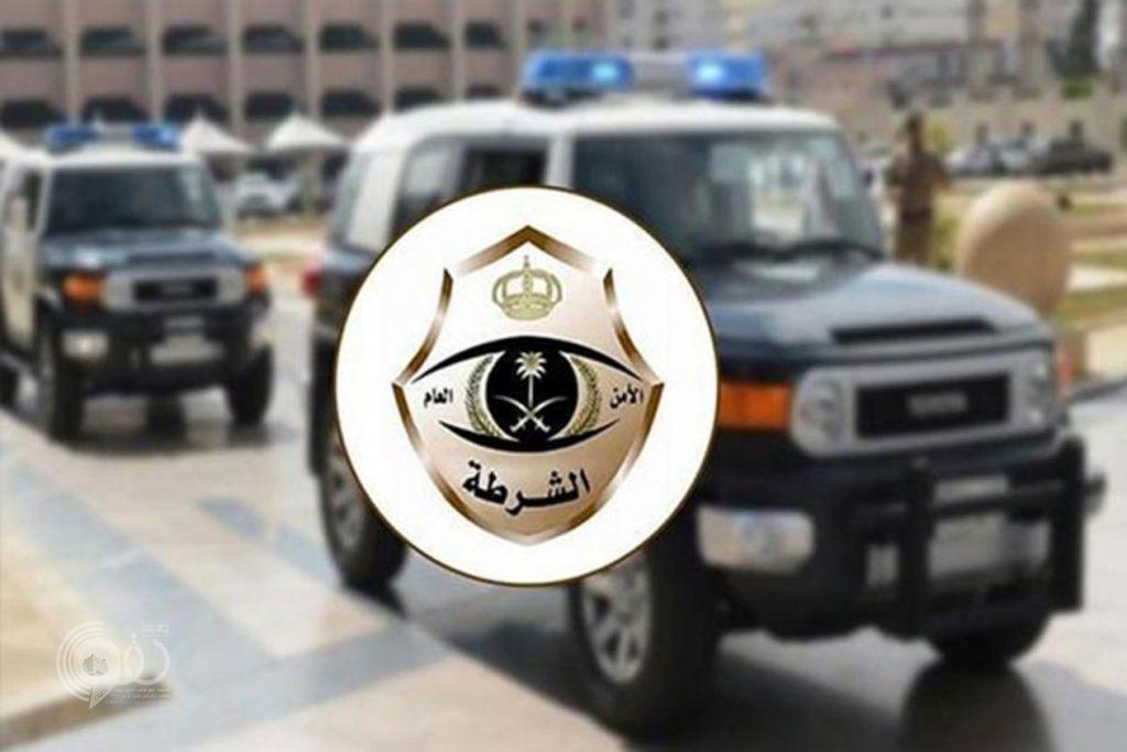 شرطة جازان تلقي القبض على موظف متهم بإتلاف 6 سيارات حكومية بالعارضة