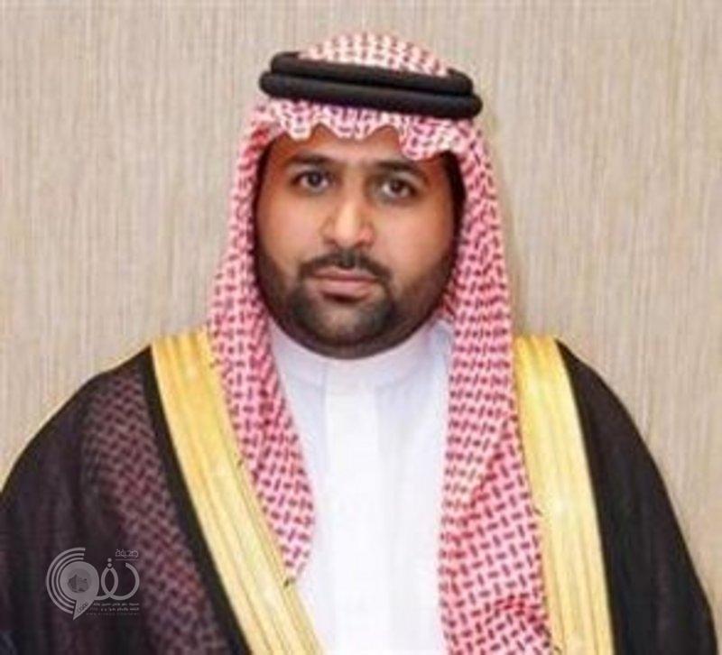 """أمير جازان بالنيابة ينقل تعازي القيادة لوالد وذوي الشهيد العريف """"حمدي"""""""