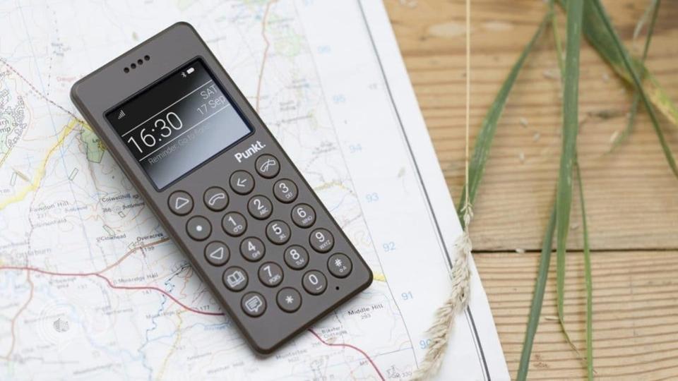 أخيرا وجد الحل.. هاتف غبي لعلاج إدمان الهواتف الذكية