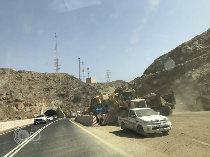 إمارة منطقة عسير توافق علي إغلاق طريق عقبة ضلع ثلاث ساعات يومياً