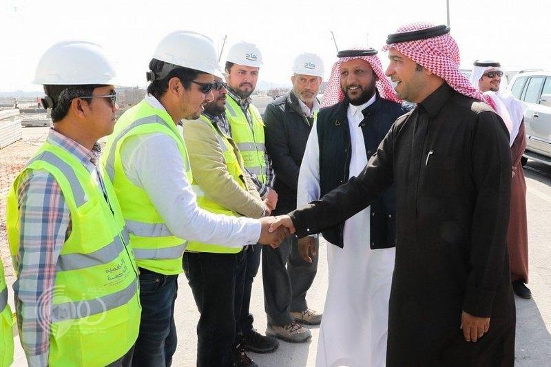 وزير الإسكان يتفقد عددًا من المشاريع السكنية في المنطقة الشرقية