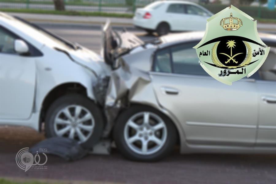"""""""المرور"""": هذا ما يجب عليك القيام به عندما تكون طرفاً في حـادث وإلا تواجه السجن والغرامة"""