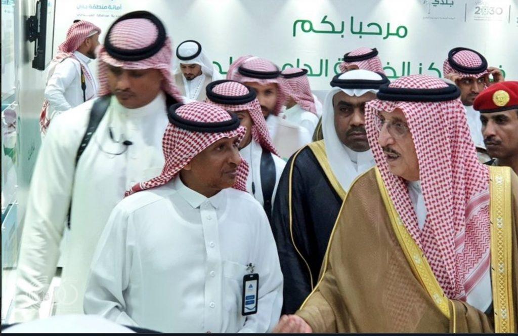 """مُغردون يُطلِقون وسماً بعنوان : """"كلنا_معك_ياجبران"""" للإشادة بجهود رئيس بلدية محافظة العيدابي"""