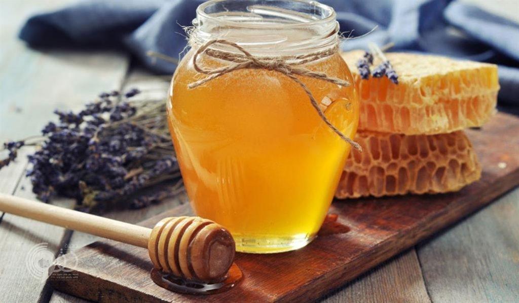 ماذا تفعل ملعقة عسل قبل النوم في جسمك؟