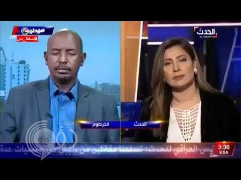 شاهد.. صحفي سوداني ينام في مقابلة على الهواء مباشرة مع قناة «العربية»!