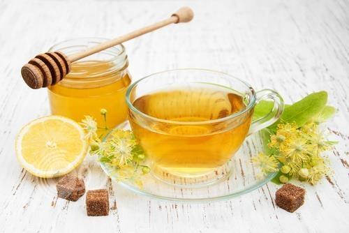 ما هي الفوائد الصحية لماء العسل والليمون؟