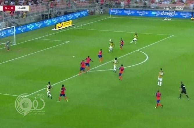 بالفيديو: الاتحاد يحقق فوزًا ثمينًا على الفيحاء بهدفين