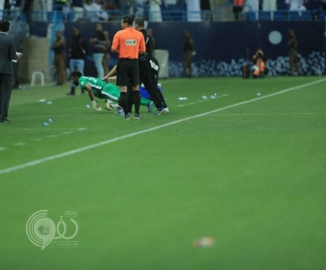 """كاميرا خاصة ترصد حركة """"العويشير"""" وتظهر لاعبي الهلال وهم يحاولون اللحاق به"""