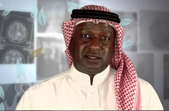 شاهد.. مشجع هلالي يحاول استفزاز ماجد عبدالله بشأن الديربي.. والأخير يرد عليه: اسأل أسلافك عني