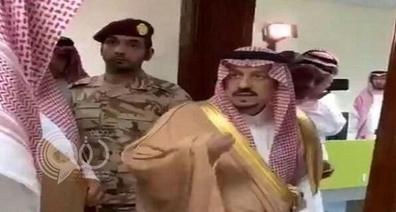شاهد بالفيديو.. رد فعل أمير الرياض بعدما تفاجأ بعدم وجود موظفين في مبنى الخرج الجديد