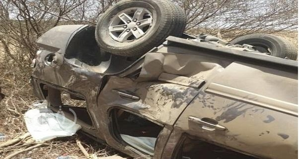 """انقلاب سيارة مرافقة """" لـ""""أمير عسير"""" والكشف عن عدد المصابين – صور"""